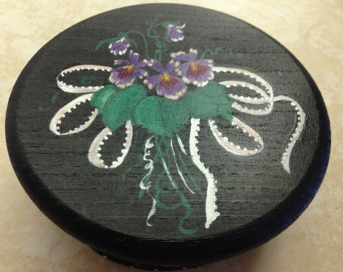 Round Box with Lid Painted in Acrylics. Violet Bouquet with Ribbons.