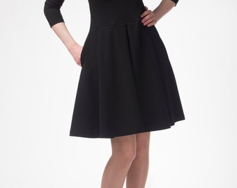 Beautiful dress with pleats and hidden pockets, A-shaped, made to order