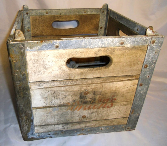 Caisse En Bois Vintage : Borden Wooden Milk Crate