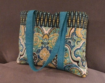 Just a handy little tote.  Great service bag,  just big enough for your magazines