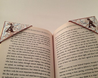 Personalized Corner bookmarks/ Clock theme / set of 2