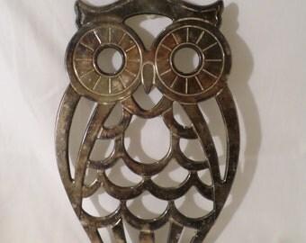 Cute vintage silver plated owl trivet  by Leonard - kitschy kitchen pot rest