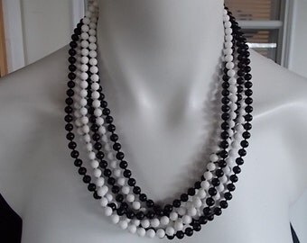 Vintage Black and White Bead Necklace     253