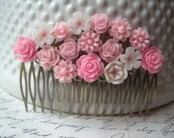 Pink Flower Hair Comb, Bridal Hair Accessory, Romantic Wedding Haircomb, Bridesmaid Gift, Floral Hair Piece