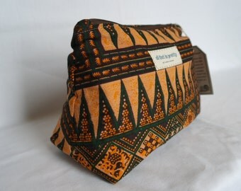 Large sized Makeup or Cosmetic Bag in African Print 100% Cotton