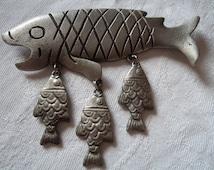 Vintage Signed JJ Silver pewter Fish Dangler Brooch/Pin