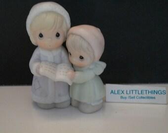 Precious Moments Aunt Ruth & Aunt Dorothy Figurine 1992 Christmas Carolers