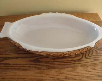 Glasbake Fish Dish with Basket