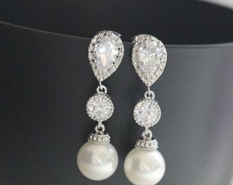 white pearl drop earring , bridesmaid earring , bridal earring , wedding drop earring