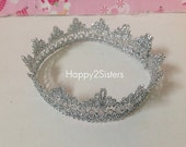 Lace crown, Newborn Lace Crown, Baby Lace Crown, baby crown, Baby Photo Prop, Sliver Lace Crown, Tiara newborn.