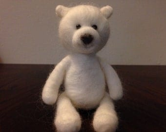 Smiley Pollie - needle felted Polar bear