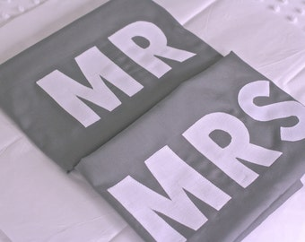 Mr & Mrs pillowcase set , Mr and Mrs pillowcases, Bride and Groom, His and Her, Weddings, pillowcases, bedding, Wedding decor, gifts,