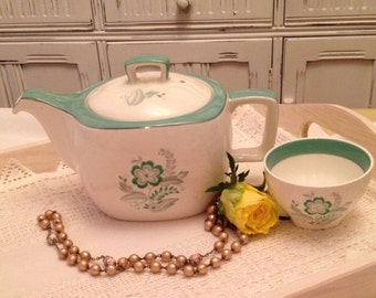 Vintage Midwinter Stylecraft 1950's Earthenware Teapot with decoratvie green flowers. TP012.