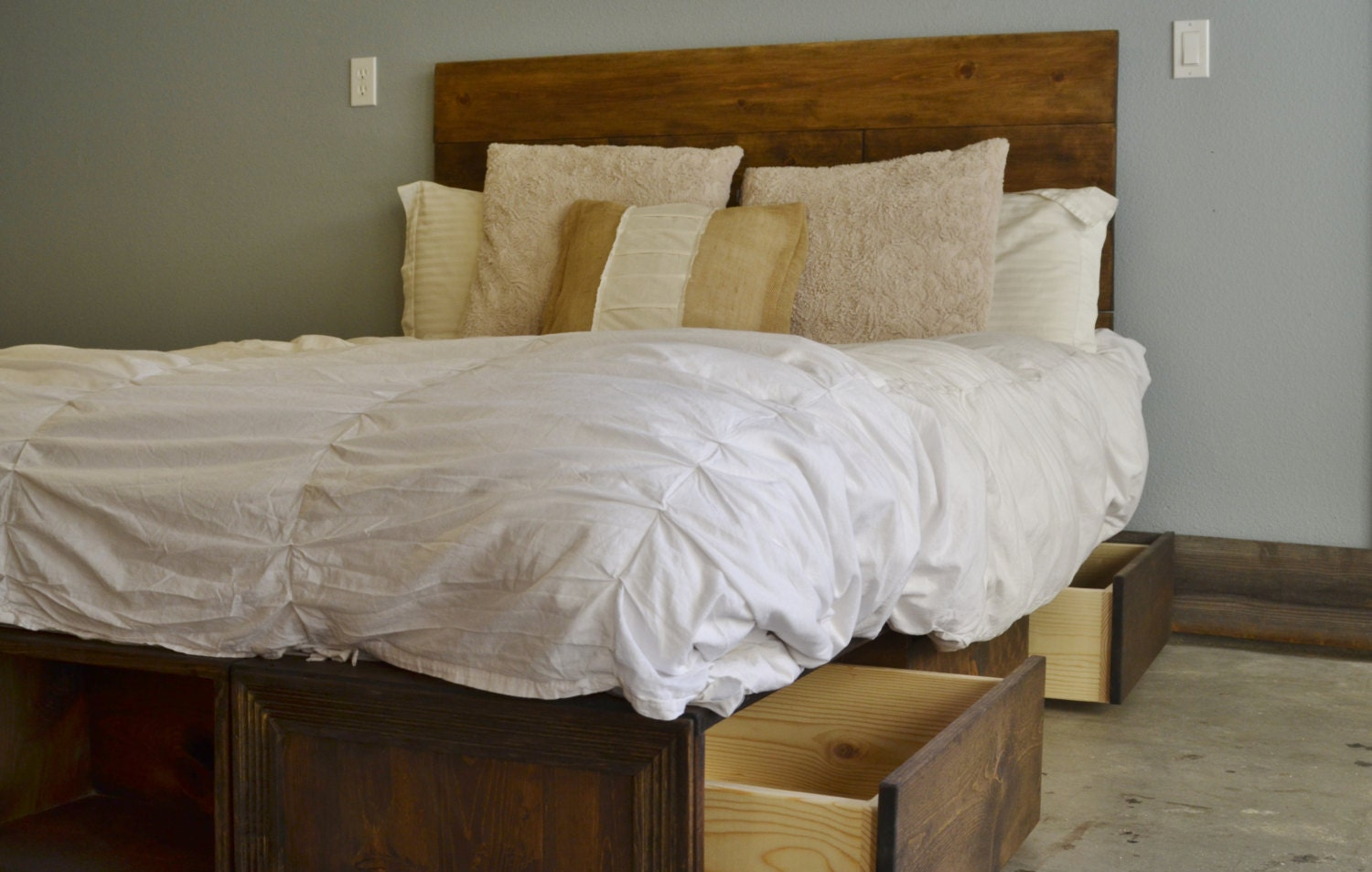 Sale 20 Off Queen Rustic Wood Drawer Bed Frame And