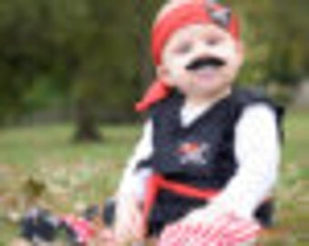 BABY PIRATE Costume. 4 PIECES. Black and Red.  Pirate Outfit.  Halloween Costume. Little Pirate. Birthday boy.
