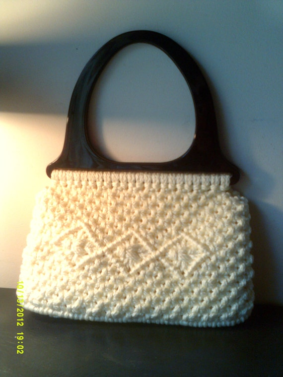Vintage white macrame purse with lucite handles by accento for Handles for bags craft