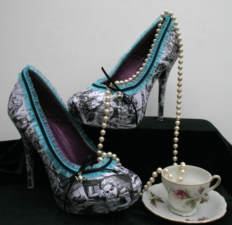 Resultado de imagen de alice in wonderland heels