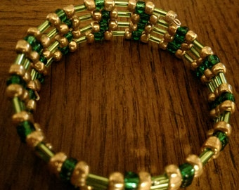 Memory Wire Bracelet:  Evergreen Garland