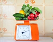 Bright orange kitchen scale/Stube/1970s/made in Germany