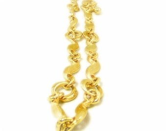 Beautiful Textured Wavy Link Gold Chain Necklace