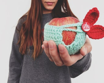 Crochet Apple Cozy - Mint with red leaves