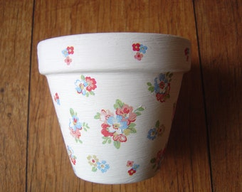 Hand Painted and Decoupaged Decorative Flower Pots ( Cath Kidston Spring Flowers 1 )