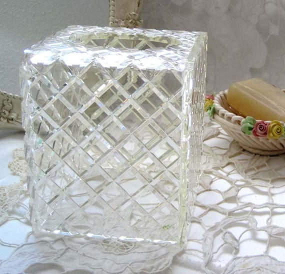 Vintage 1960s Wilardy Clear Crystal Cut Lucite Diamond Shaped