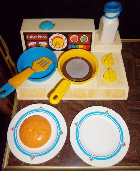 Vintage fisher price fun with food toys play by for Toy kitchen table