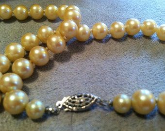 Vintage GENUINE Hand Knotted PEARLS
