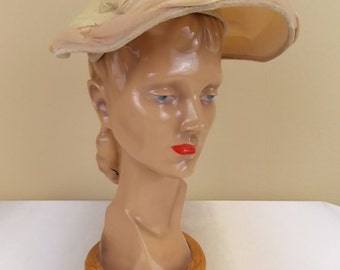1950's Jonquil Ivory Color Hat with Blush Trim