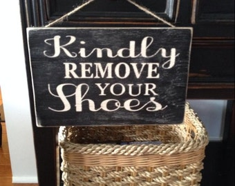 Free shipping-11.25 X 7.75 remove your shoes sign - wood