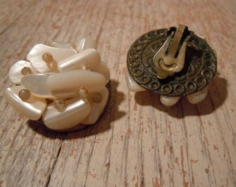 Beautiful Vintage Mother of Pearl Ivory Earrings - Bridal Jewelry - Clip Earrings