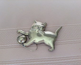 Sterling Lang Cat Kitten with Ball Vintage Brooch
