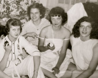 Pretty 1940's Sorority Sisters Slumber Party Snapshot Photograph - Free Shipping