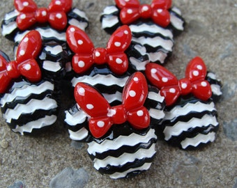 2 black and Red Chevron Minnie Mouse Resin heads Hair Bows Resin Hair Bow Center