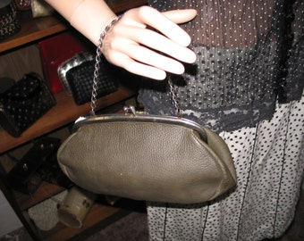 FREE SHIPPING! Nav 1-3***1970's Olive green leather convertible clutch/handbag-Cuter than crap!