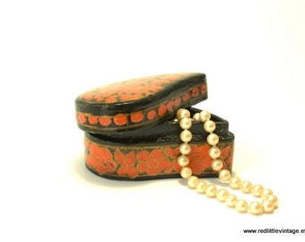 Jewelry Boxes, Small Trinket Box, Small Jewelry Box, Jewellery Boxes, Trinket Boxes, Black and Red, Paper Mache Gifts, Birthday Gift
