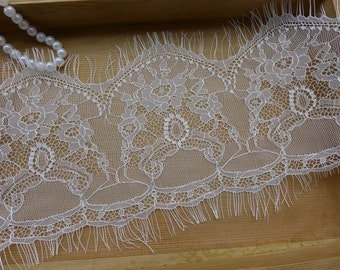 SALE Chantilly Lace in White 3 yds Long Exquisite Eyelash Lace Wedding Bridal Veils Lace Costume Design