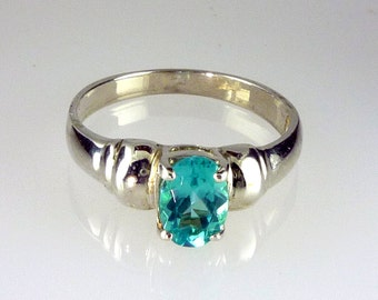 Genuine, Natural,  Madagascar Oval Apatite Solitaire Ring 925 Sterling Silver