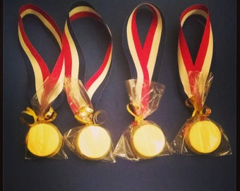 Gold medal oreo party favors *SALE*