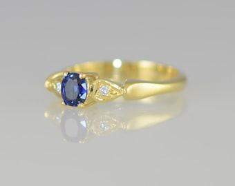Vintage 18K Yellow Gold Sapphire & Diamond 3 Stone Ring