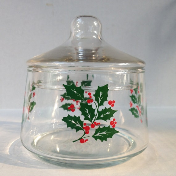 Holly berry christmas candy dish with lid by varietyretro