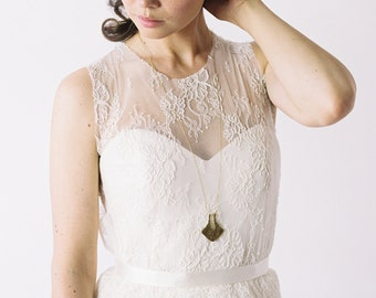 Cheylene // A chiffon wedding gown with a removable lace shirt