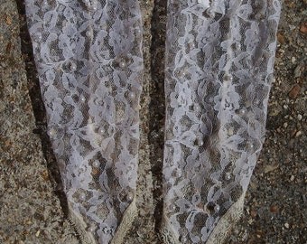 REDUCED - Beautiful Vintage Off-White Lace Fingerless Wedding Gloves with Faux Pearls