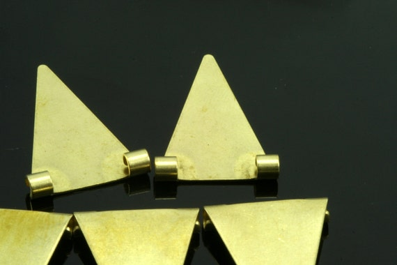 125 pcs 16x25 mm raw brass triangle pendant 2 ( hole 2,5 mm 10 gauge ) raw brass connector charms ,raw brass findings 937R-110