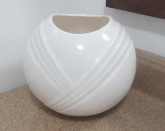 Art Deco Ceramic White Short Bowl