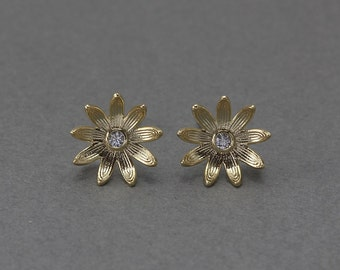 Flower Post Earring .Wedding, Bridal Jewelry, 925 Sterling Silver Post . 16K Polished Gold Plated over Brass  / 2 Pcs - FC047-PG-CR