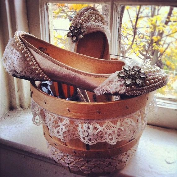 Beautiful pearl wedding flats