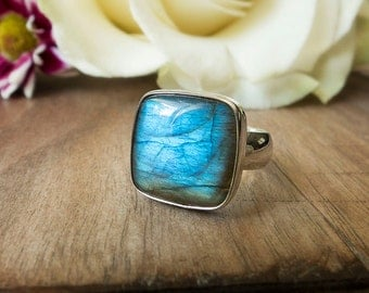 Blue Stone Ring, Green Stone, Labradorite Gemstone Ring, Sterling Silver Square Stone Ring, Everyday Wide Band Ring, Gemstone Ring, Cushion