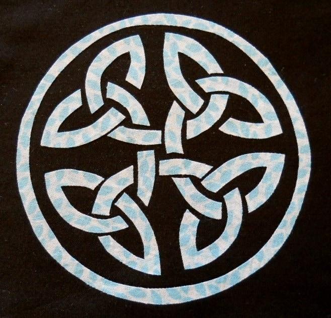 Easy Celtic Circle Knot Quilt Applique Pattern Design
